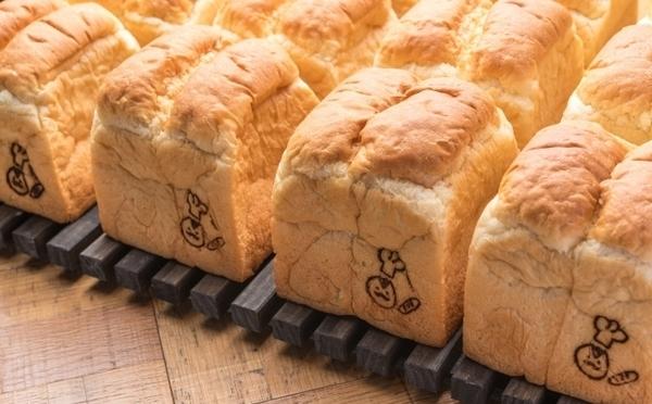 人気カフェの「幻の食パン」を販売♡食パン専門店「YORKYS BAKERY」が神戸国際会館にOPEN!