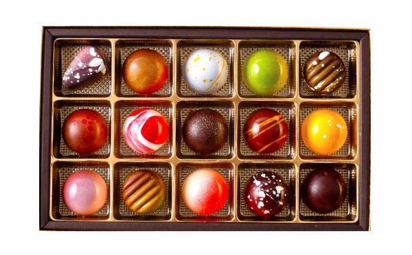 ケーキの味わいを一粒で表現♡デリーモの季節限定「ボンボンショコラ」は宝石箱みたいなラインナップ♩