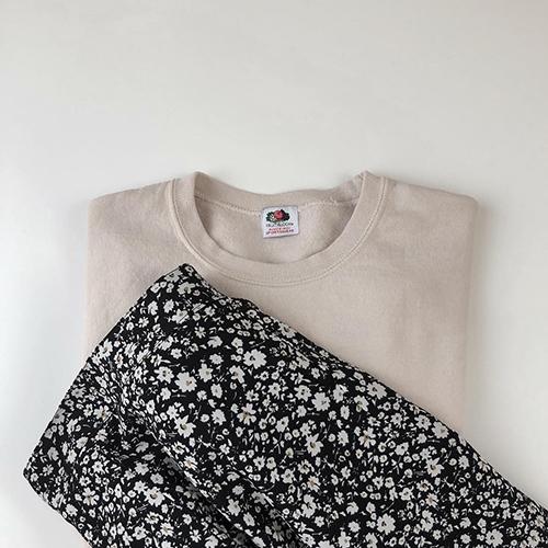 今季注目の花柄スカートはしまむらでGETできちゃう♡1990円で作れる、おしゃれコーデカタログ