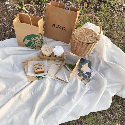 布 おしゃ ピク 秋のおしゃピク必需品はこれ!インスタ映えする布や食べ物で海外風ピクニックを♡