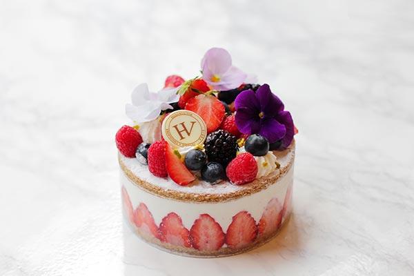 """5月12日は母の日♡パリ発「HUGO & VICTOR」の""""母の日限定コレクション""""には新作ケーキも登場します!"""