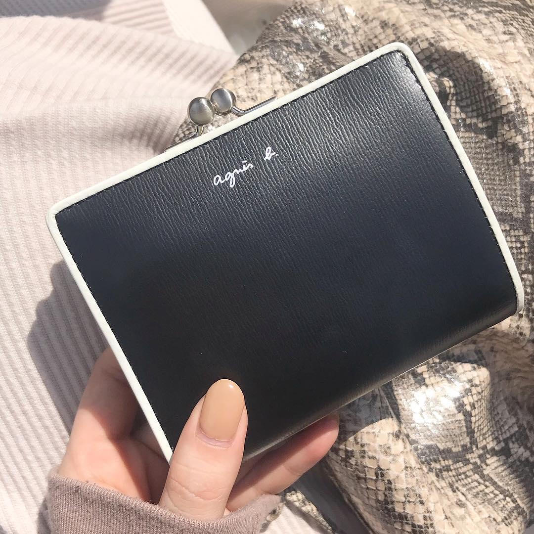 """新学期、新生活に向けて財布はもう新調した?アニエスベーの""""ミニ財布""""は王道の大人かわいいシンプルさが流石です◎"""