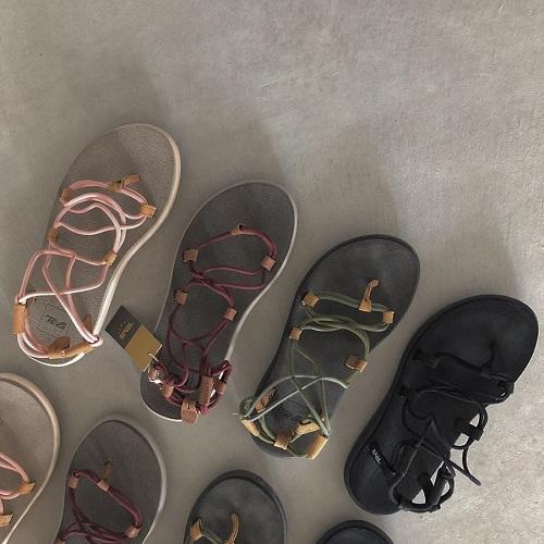 最高の履きやすさとデザインにイチコロ♡「Teva」のVOYA INFINITYはこの夏絶対ゲットしなきゃ損!