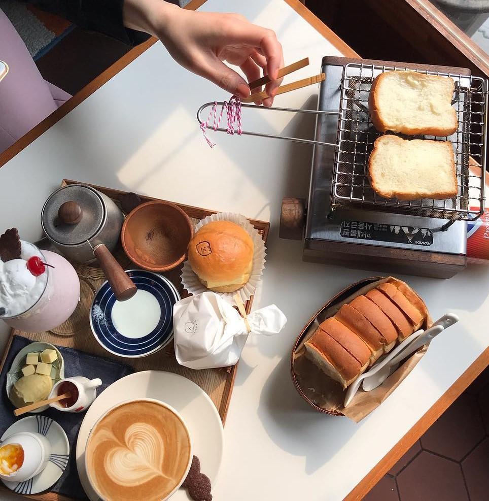 韓国カフェの新境地⁉自分でパンを焼ける「MOMENT COFFEE」の食パンがサクフワで美味しすぎるって噂♡