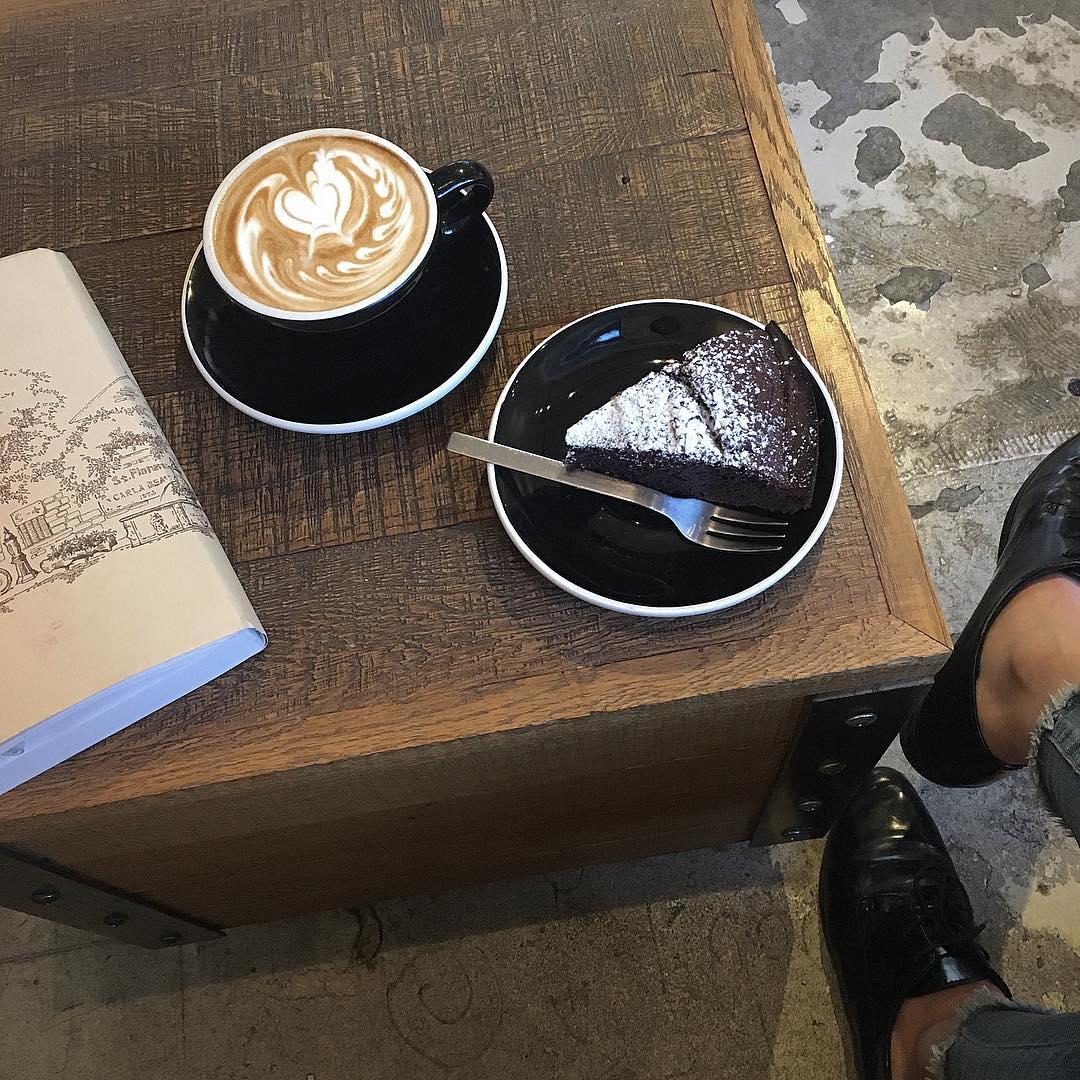 勉強も仕事も捗ること間違いなしの【表参道カフェ】4選。おしゃれなカフェで集中して作業したい人必見です◎