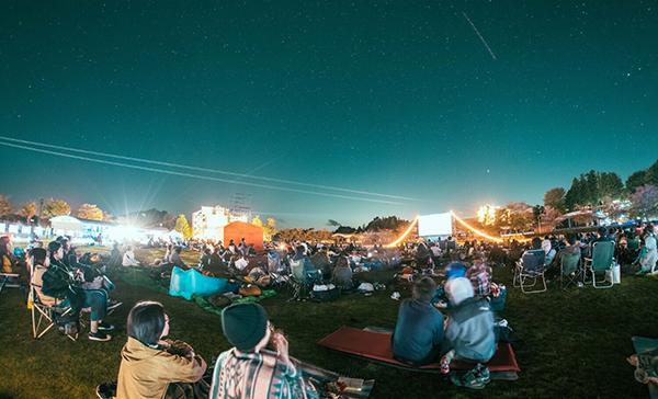 オールナイトで楽しむ野外映画フェス♡夜空と交差する森の映画祭2019が9月に静岡・沼津のINN THE PARKで開催