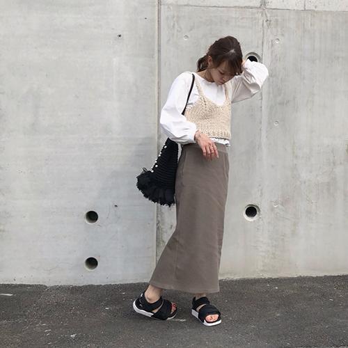 ユニクロの「リブタイトスカート」なら1枚で大人っぽコーデに♡おしゃれさんに学ぶ着こなし術5つ