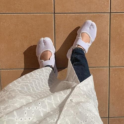 """""""足袋シューズ""""って知ってる?「NIKE」のエアリフトは、履き心地抜群でコーデに映える優秀アイテムなんです"""