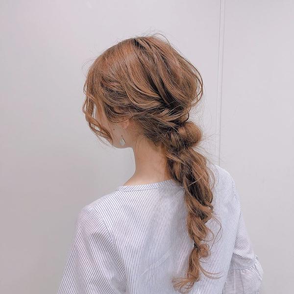 浴衣に合わせるヘアスタイル、私はセルフ派。チャレンジしやすい編み込みを取り入れたヘアアレ4選♡