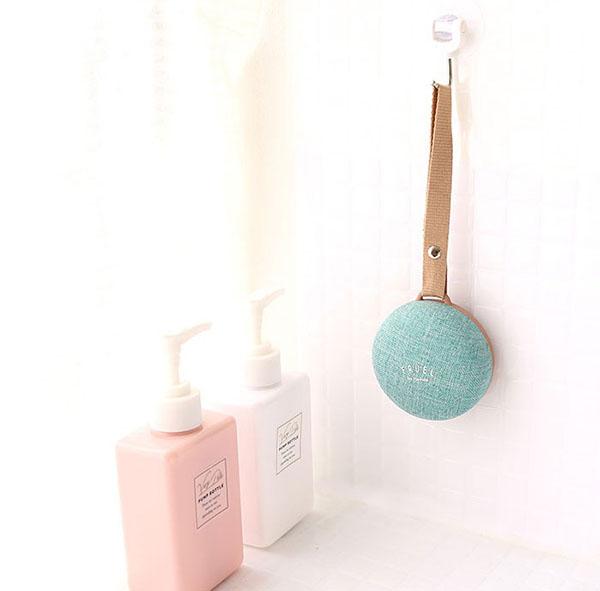 お風呂でも使えるマカロンス型のスピーカーが登場!かわいいだけじゃなく、ちゃんと便利なんです♩