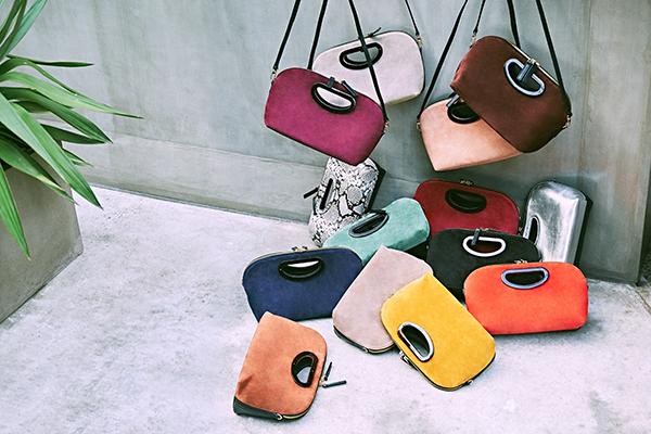 """ナノ・ユニバースでペリーコのバッグ""""アネッリリバースミニ""""の受注会が開催。お気に入りのカラーをゲットして♡"""