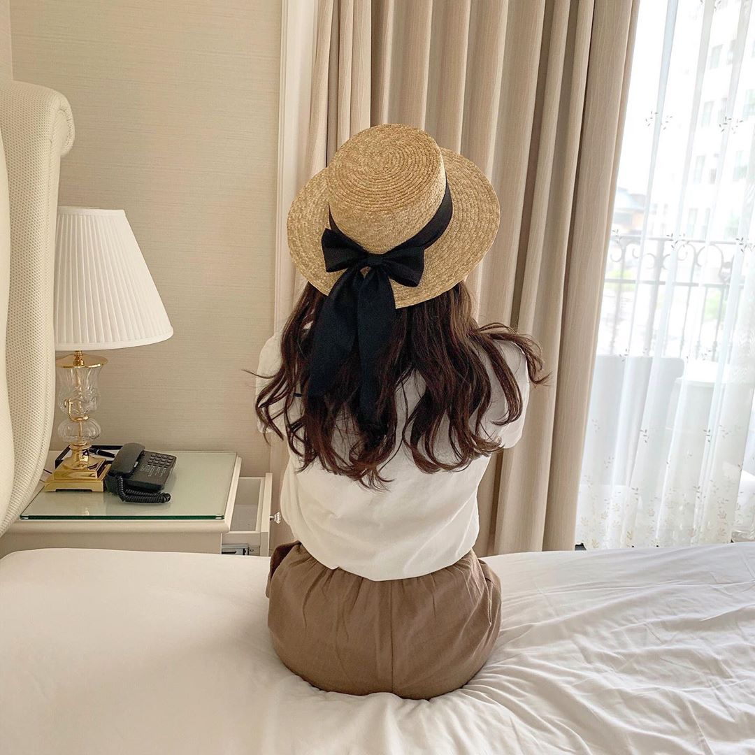 おしゃれ女子は「麦わら帽子」をうまく使いこなす。この夏したいかわいい麦わら帽子コーデ6選