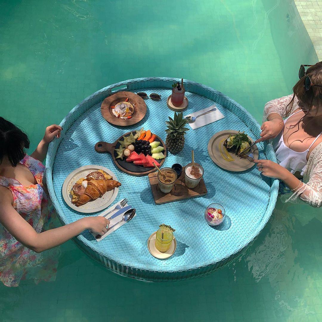 プールで朝食なんて女の子の夢でしょ♡バリにあるカフェ「Cabina Bali」はこの夏行きたいリストに決定です◎