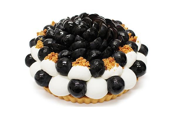 """そろそろ""""食欲の秋""""ですね。日本の""""ぶどう""""を贅沢に使った「カフェコムサ」の期間限定ケーキはいかがですか?♡"""