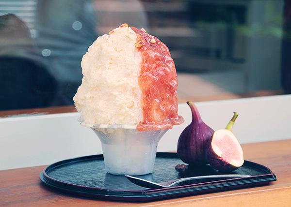 """濃厚で華やかな和の味わい♡日本茶スタンドカフェ「八屋 千駄ヶ谷店」に""""白みそチーズといちじくのかき氷""""が登場"""