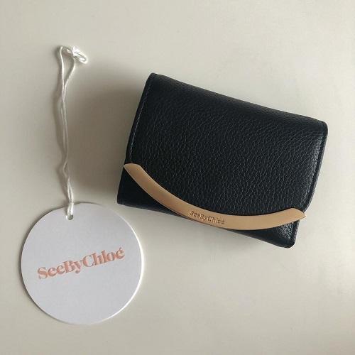 ミニ財布ブームはまだアツい♡上品さの中にかわいさがある「See By Chloe」の財布のミニマム感がたまらない