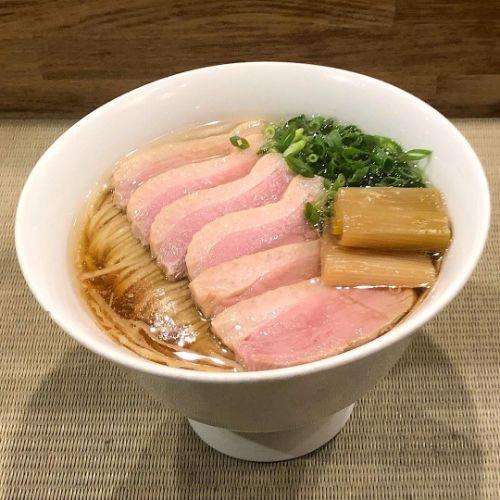 """1ヵ月に1回むしょーに食べたくなる""""あれ""""。スープが透き通ったおいしすぎる「らーめん」を都内で集めました♡"""