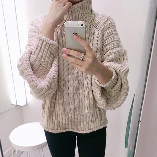ハイネック h&m リブニット セーター H&M2999円リブニットハイネックセーターが爆売れ中♡人気の秘密は?