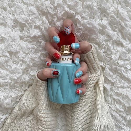 この配色に惚れた♡香水に見立てたカラーが見とれちゃうほどかわいい「#miumiuネイル」がIGで話題なんです