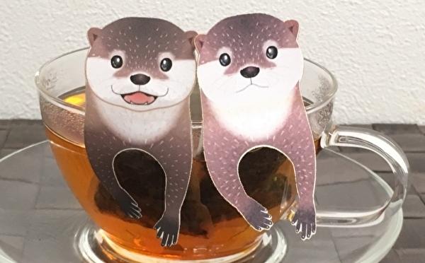 第1弾は愛くるしいコツメカワウソ♡ヴィレヴァンで人気の動物ティーバッグ、新シリーズはカップのフチに引っかけられちゃう♩