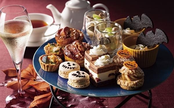 ハロウィンお茶会にピッタリな特別バージョンも♩ヨックモック青山本店、人気のティーセットが秋仕様になってお目見え♡