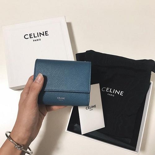 財布 セリーヌ オシャレ可愛いブランド財布ならこれ!セリーヌのストラップで憧れられる大人女子になろう!│銀座パリスの知恵袋