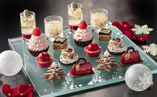 キラキラ輝くクリスマスの街をスイーツ&セイボリーで表現♩コンラッド東京、冬のアフタヌーンティーがステキ♡