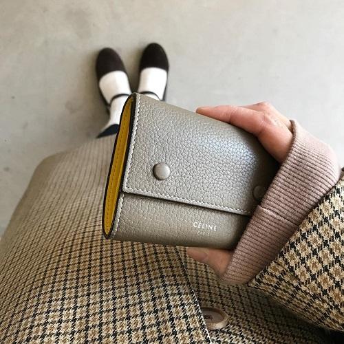 """「ミニ財布」好きにすすめたい。""""セリーヌ""""のミニ財布は上品なうえにカラーやデザインも素敵すぎるんです"""