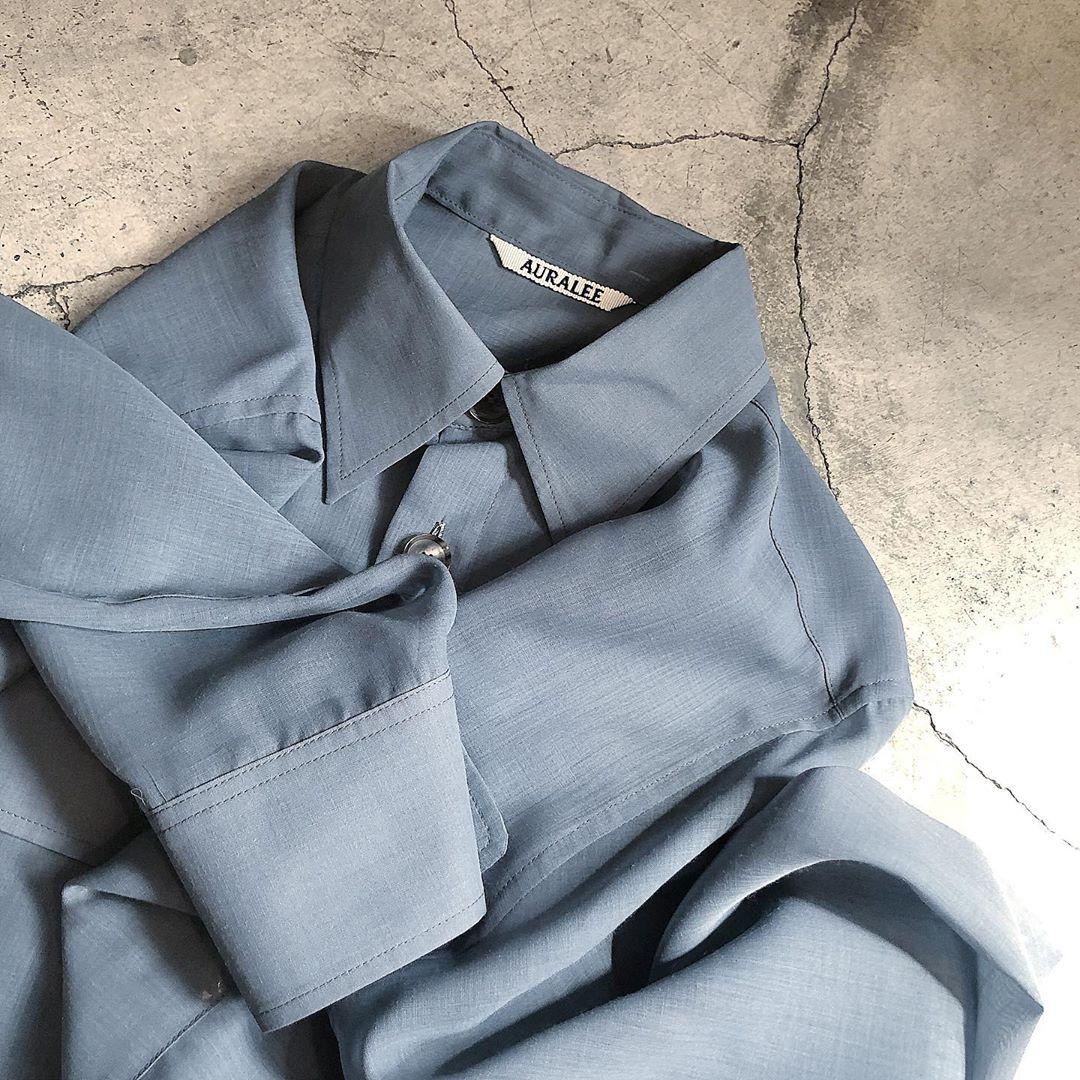 小物から服まで「くすみブルー」マニアが激増中。みんなのくすみブルーアイテムをインスタから覗いてみました♡