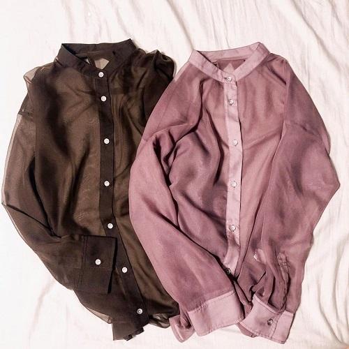 透け感命。本当は教えたくないくらいかわいい「シアーバンドカラーシャツ」はいまの季節、要チェックです!