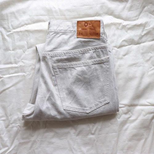 「白デニム」って野暮ったく見えがち...。使い方次第で抜け感たっぷりのお手本コーデを集めました♡