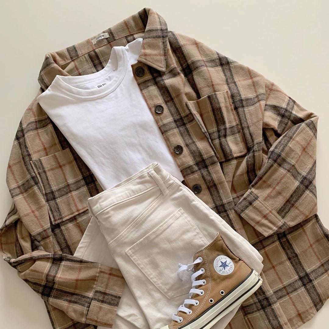 しまむらの「チェックシャツ」が高見え抜群すぎるシックな色合いって噂。羽織りに最適だから要チェックです◎