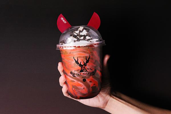 """オリジナルカップには悪魔のツノが。「ジ アレイ」からハロウィン限定のドリンク""""悪魔のダークココア""""が登場"""