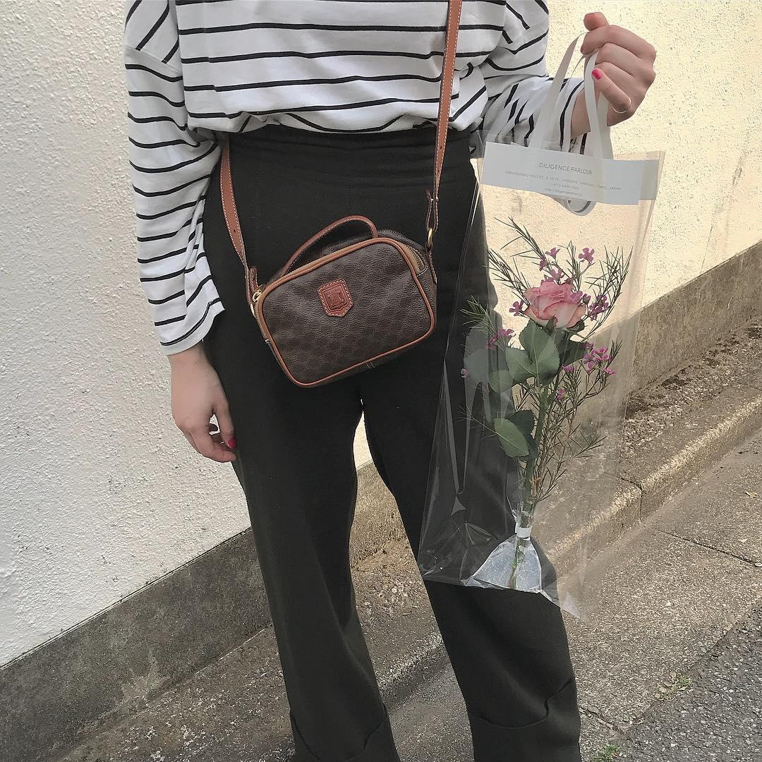 ヴィンテージライクがたまらない♡「セリーヌ」のマカダム柄バッグはどんなコーデにも映える一品なんです♡