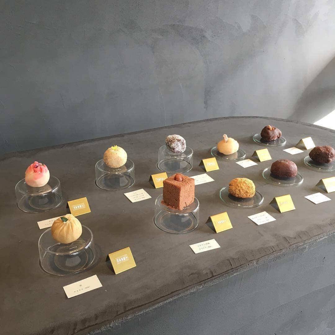 和菓子界に革命が起きた…。誰もが見惚れるほど美しい和菓子が並ぶ福岡の「御菓子 TUGI」って知ってる?