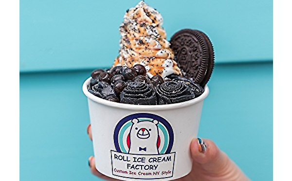 真っ黒なメニューがワンコイン!ロールアイスクリームファクトリー初の「ブラックフライデーセール」が2日間限定で開催♩