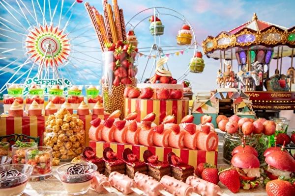 移動遊園地のワクワク感も楽しめちゃう♩コンラッド東京のいちごビュッフェは「カーニバル」がテーマ!