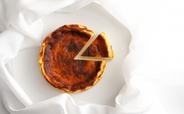 1年のご褒美にホテルメイドのケーキはいかが♡パティスリーSATSUKIに「バスクチーズケーキ」がついに登場!