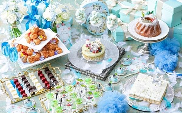 ブルーをまとって華やかな舞踏会へ♡ロマンティックなクリスマスブッフェがストリングスホテル八事NAGOYAで開催♩