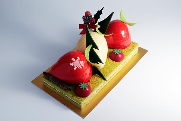 """イチゴ型ムースがのったケーキにキュン♡""""セバスチャン・ブイエ""""のクリスマスはセンスが光るラインナップ"""