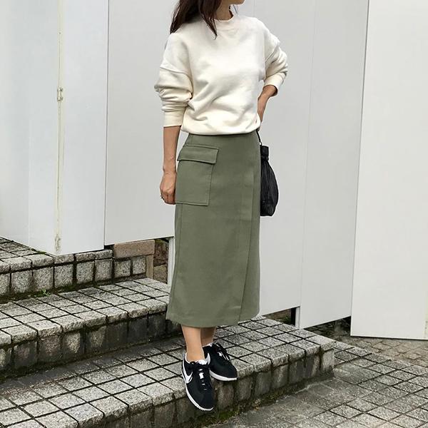 """""""枝豆オリーブ""""に心惹かれる…GUの「ポケットナローミディスカート」は900円で買えちゃう良アイテムでした♡"""