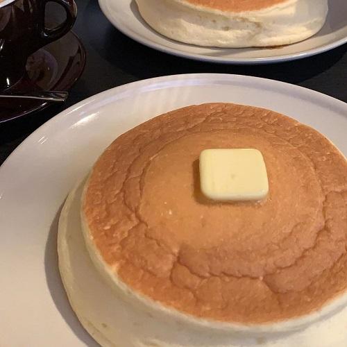 このふわしゅわパンケーキはどこ?「練乳で食べる」新食感のパンケーキ「三日月 氷菓店」に行ってみたい♡