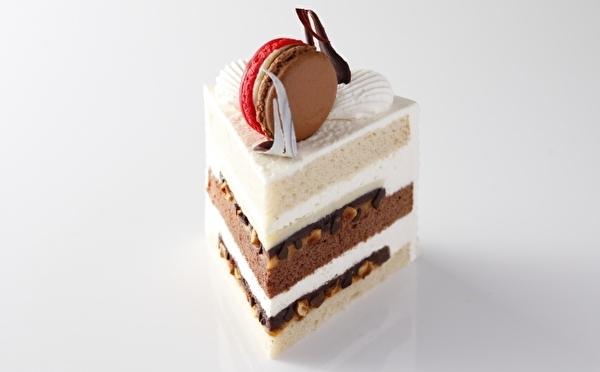 特別な日だからフンパツしたい!2020年のバレンタインギフトにホテルメイドの極上ケーキはいかが♡