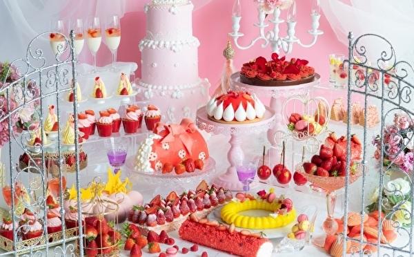 心が躍る舞踏会へようこそ♩ヒルトン大阪のストロベリービュッフェは紅茶×いちごが香るスイーツセレクション♡