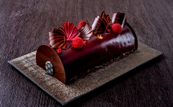 フランス発ショコラティエ「パスカル・ル・ガック東京」初めてのクリスマスケーキはシックで大人の3種類♡