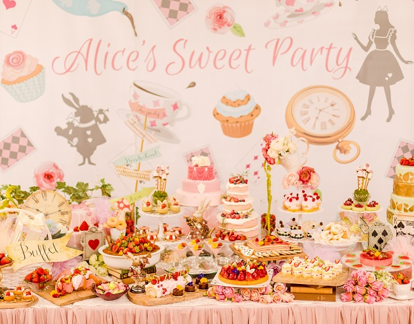 本格的なアリス世界感が味わえる♡「千葉セントグレース ヴィラ」で2日間限定のデザートブッフェが開催!