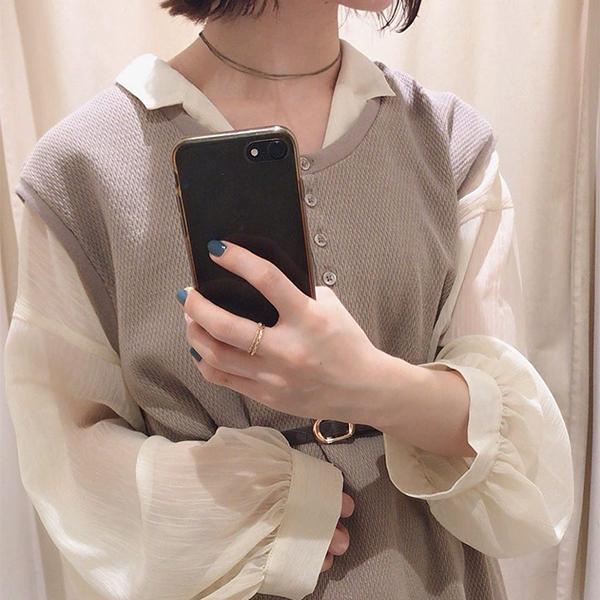今から使える「シアーシャツ」の魅力は知ってる?1枚でも、レイヤードさせてもかわいさが劣らないんです♡