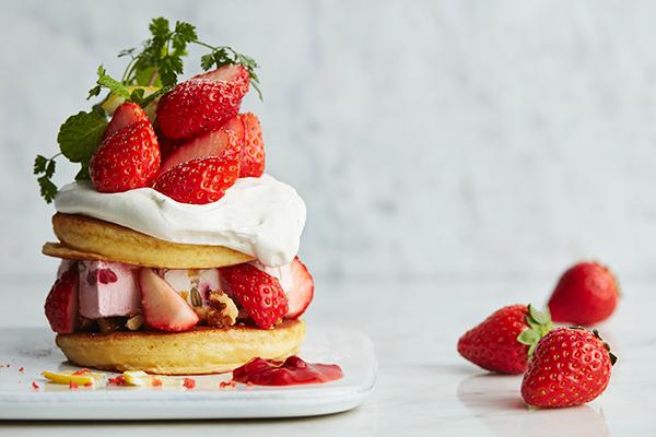旬の苺をたっぷり使ったスイーツが登場♡J.S. PANCAKE CAFEの全店でストロベリーフェアがはじまります!