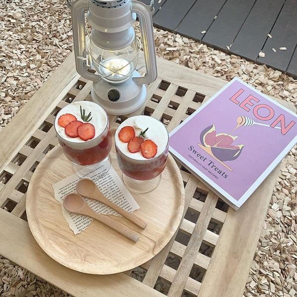 次回のカフェ巡りのテーマは、「いちご」で決まり♪赤くてかわいいシルエットの、いちごが映える都内のカフェ4つ♡