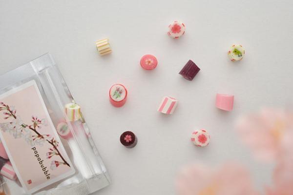 """新フレーバーの""""桜ラテ""""も仲間入り。「パパブブレ」に春を味わう『桜ミックス』キャンディが登場します!"""